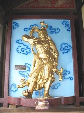 Dhritarashtra (roi-gardien de l'Est), Lokapâlas (rois-gardiens), pagode Vinh Nghiem (39 rue Nam Ky Khoi Nghia, quartier 7, 3ème arrondissement, Ho Chi Minh ville)
